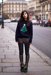 Betty A - Urban Outfitters Vintage, Club Monaco, Tsumori Chisato - X-Mas Tree