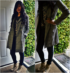Natasha Yeh - Rampage Trench Coat, Energie Long Sleeve, Material Girl Circle Scarf, Forever 21 Black Skinny Jeans, Xhilaration Gold Sneaker Wedge - Balance of Texture