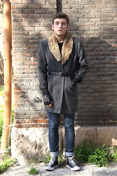 Ramiro G. - Rgv Coat, Zara Gloves, Zara Belt - 4 way coat