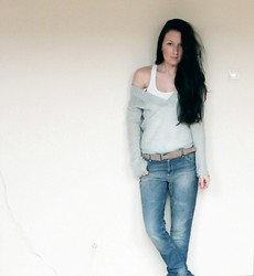 Ilona S - Second Hand Mint Sweater, C&A Top, Esprit Boyfriend Jeans, Reserved Belt - Casual. Merry Christmas Everyone!