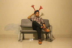 Gabriel Sebastian Kaban - D.I.Y Red Horn, Topman Patterned Flannel, Unbranded Patterned Sock, Oxford - Rudolph the red horned reindeer