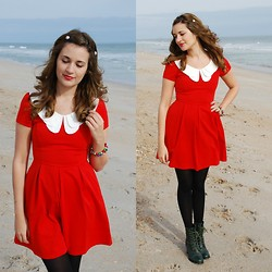 Natalie Kay Smith - Modcloth Hair Barretts, Modcloth Dress, Thrift Bell Bracelet, H & M Tights, Forever 21 Shoes - Mele Kalikimaka