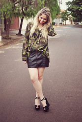 Bruna Treme - Camouflage Shirt, Talita Kume Black Skirt, Arezzo Shoes - I guess I'll always be a soldier of fortune