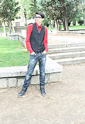 Alex Robles - H&M Waistcoat, H&M Shirt, H&M Tie, Pull & Bear Jeans, Pull & Bear Sneakers Mid Top - Black & Red