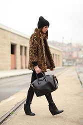 Alexandra Per - Bershka Coat, Givenchy Bag, Cafe Noir Booties, H&M Beanie - My favorite leopard coat
