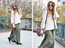 Saray Dansvogue - Queens Wardrobe Sweater, Zara Skirt, Asos Sunglasses - Relaxing look