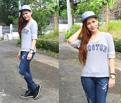 Paulina De Ramos - New Era Snapback Cap, Forever 21 Sweatshirt, Forever 21 Jeans, So! Fab Creepers - LA vs Boston