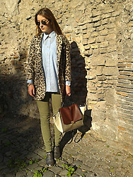 Matea Rozina Niksic - Zara Coat, Vintage Shirt, Pull & Bear Jeans - HNY! Entering my in Rome!