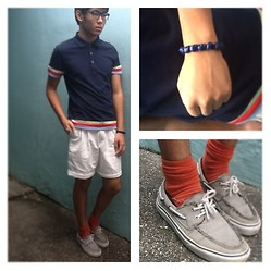 Dominic Cuerpo - Collezione Polo Shirt, Thrifted Shorts, Vans Sneakers, Thrifted Skull Bracelet, Oxygen Socks - New Year Roadtrip