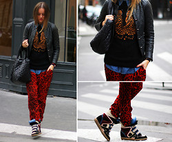 Linsey Sijmons - Mulberry Knit, Sweewe Pants, Chanel Bag, Isabel Marant Shoes - I GOT MY HEART RIGHT HERE