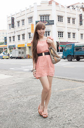 Esther Xie - Missqueenie Checkered Dress, Bugis Street Bow Wedge, Pearls & Metal - Sweet As Sugar And Everything Nice