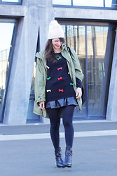 Thelittleworldoffashion Aude - Pepaloves Jumper, H&M Beanie, Asos Jacket, Samsoe & Boots, Ikks Bag - Military n' Girly
