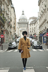 Santiago Artemis - Giorgio Armani Whool Coat, Miu Fur Hat, Artemis Headscarf, Artemis Pants, American Apparel Shoes - ROCKING PARIS