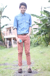 Alan John Rañada - Burberry Denim Button Down, Greenhills Aztec Iphone Case, Cotton On Spitfire Stretch Skinny Jeans, Loafers, Bershka Khaki Belt - Paradise