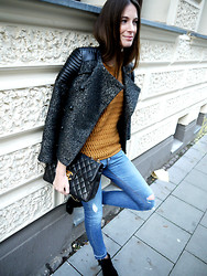 ModeJunkies . - Afterpants Leather Mix Jacket, Afterpants Knit, Chanel 2.55 Vintage Bag, Zoe Karssen Skinny Denim, Stefanel Pointy Boots - Denim, Knit, Leather & Chanel