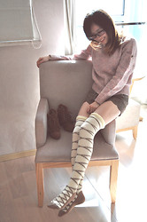 Anne King - Vintage Sweater, Liz Lisa Shorts, Randa Boots - Strawberry chocolate cake<3