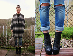 Lereese Atkinson - Firetrap Ripped Jeans, Topshop Heel Boots, Full Circle Oversized Boyfriend Coat, Marc By Jacobs Hobo Bag, Topshop Blouse - HAVING A GREY DAY!