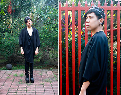 Juan Lorenzo - Black Crown, Unisexrewindbyjpsingson Earrings, Unisexrewindbyjpsingson Cape, Asymetrical Draped Top, Topman Skinny Jeans, Golddot Behemoth Booties - MODERN MONARCH