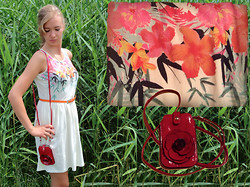 Alexandra H. - H&M Flower Print Dress, Red Rose Bag, H&M Flower Print On The Dress, Rue21 Orange Belt - Reed You Loud and Clear