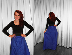 Eline Piso - H&M Shirt, Handmade Skirt - Black & Blue- Miike Snow
