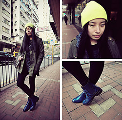 Yan Chen -  - Street style with neon hat