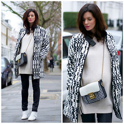 Hedvig ... - Vanessa Bruno Athe Coat, Joseph Leather Leggings, Cos Angora Knit, Ash Footwear Sneakers, Chloé Bag - Overloads