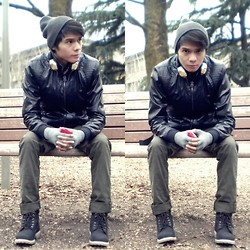 Jake Beltran - Pull & Bear Leather Jacket, Jfour Pants, Italian Made Boots, United Colors Of Benetton Gold Headphones, Gray Beanie - Locked out of heaven