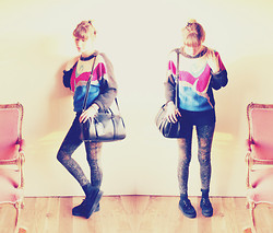 Blanche Clement - Vintage Jumper, Urban Outfitters Bag, New Look Bleached Jeans, New Look Creepers - Last Ray of Sunshine