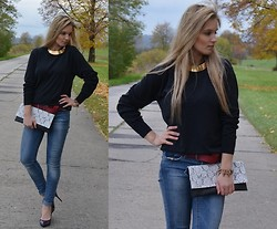 Katarzyna K - Hugo Boss Sweater, Zara Pant, No Name Clutch - BOYFRIEND SWEATER