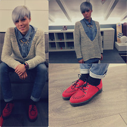 Marta Chic - Zara Jumper, Roxy Blue Jeans, Zara Creepers, Swatch Watch, Grey Temporary Hair Color - Grey temporary hair!!! Is that cool???