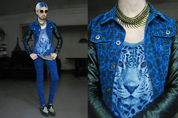 Andre Judd - H&M Leopard Jacket With Leather Sleeves, Tnc Leopard Skinnies, Layered Neckpieces, Chillage Round Frame Glasses, Leopard Print Tee, Underground Snow Leopard Creepers - TRUE BLUE