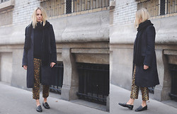 Liza Chloe - Bloomingdale's Woven Scarf, Maison Martin Margiela Mohair Coat, Cashmere Sweater, Zara Leopard Pants, Claudie Pierlot Studded Loafers - SPARE LOOK