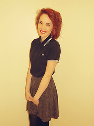 Holly Marie Halliwell - Fred Perry Polo Shirt, Internacionale Grey Skater Skirt - Fred perry.