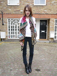Ella Catliff - Louis Vuitton Giant Silk Square Scarf, American Apparel White Tee, J Brand Skinny Jeans, Massimo Dutti Ankle Boots - Louis Vuitton Giant Silk Square