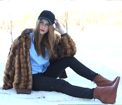 Greetta R - Zara Blouse, Vintage Fur Coat, H&M Cap, Bianco Footwear Boots - Living in the White