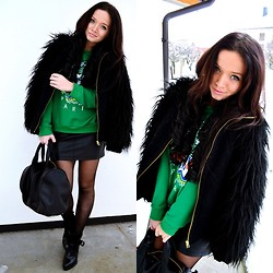 Nina Star - For More: - Paris Green