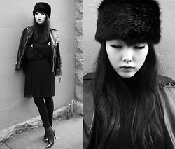 Ivy Xu - Danier Faux Fur Hat - The night