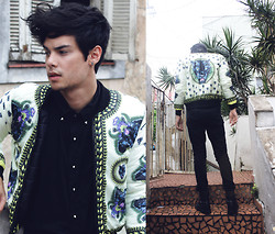Vini Uehara - Choies Retro Leopard Patterned Cream Contrast Padded Coat - Ace of Spades