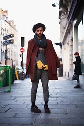 Nicolas Lor - United Colors Of Benetton Burgundy Hat, Vintage Emmaüs, Sisley Grey Clutch, H&M Mustard Gloves, H&M Pants, New Look Burgundy Creepers - Intersection / Paris Fashion Week