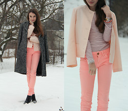 Daniela Hálová - United Colors Of Benetton Coat, Pull & Bear Neon Pants - Sweet like candy