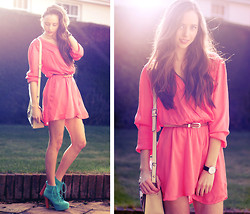 Rachael Jane H - Oasap Boots, Love Wrap Dress, Oasap Bag, Daniel Wellington Watch - Coral Love Wrap Dress | www.kokoluxe.com