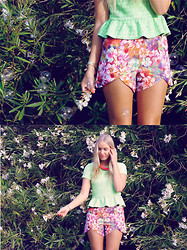 Kristal Anderson - Sabo Skirt Dip Hem Shorts, Topshop Peplum Top, Ebay Necklace - BOTANICAL