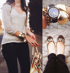 Fernanda Martinez - Michael Kors Handle Tote, Local Store Arm Party, Bershka Long Tail Sweater, Bershka Jeans - Gold Rush