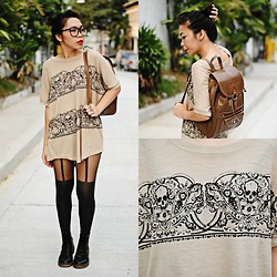 Samantha Nuyda - Gift Loose Skull Top, Mom Vintage Bag - Nerdy skull