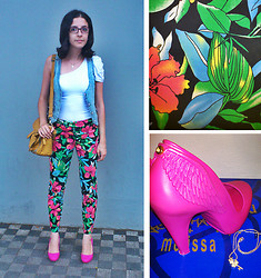 Ana Pandini - Chamele One Sholder Top, Cortelle Tropical Pants, Melissa Pumps Incense, Marisa Jeans Vest - Touch of pink!