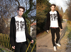 ChriS F. - Black And White Cats Many Tees, Cheap Monday, H&M Cardigan, Urban Outfitters Belt - Many Tees N° 1