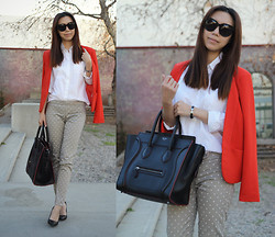 Joan K. - J. Crew Shirt, Céline Bag, Uniqlo Pants, Hermës Bracelet - Retro Chic