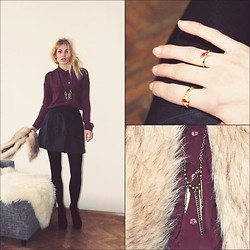 Florentine Florentines - Monki Blouse, Asos Rings, Primark Necklace, H&M Shoes, H&M Skirt, H&M Fake Fur - Vienna winters.
