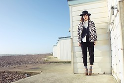 Victoria + - H&M Jacket, Vintage Hat - Seaside