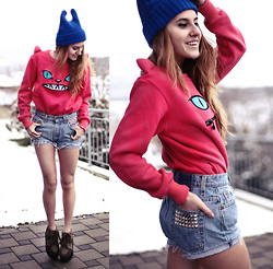 Jessica Christ - Choies Cartoon Hoodie, Oasap Beanie, Vintage Studded Shorts, Zerouv Sunglasses (See Below) - Free your mind (Giveaway on my blog)